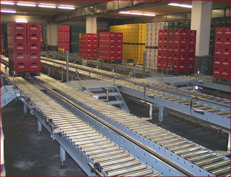 Pallet conveying systems 1 - Example: Back-up conveyor in a German brewery